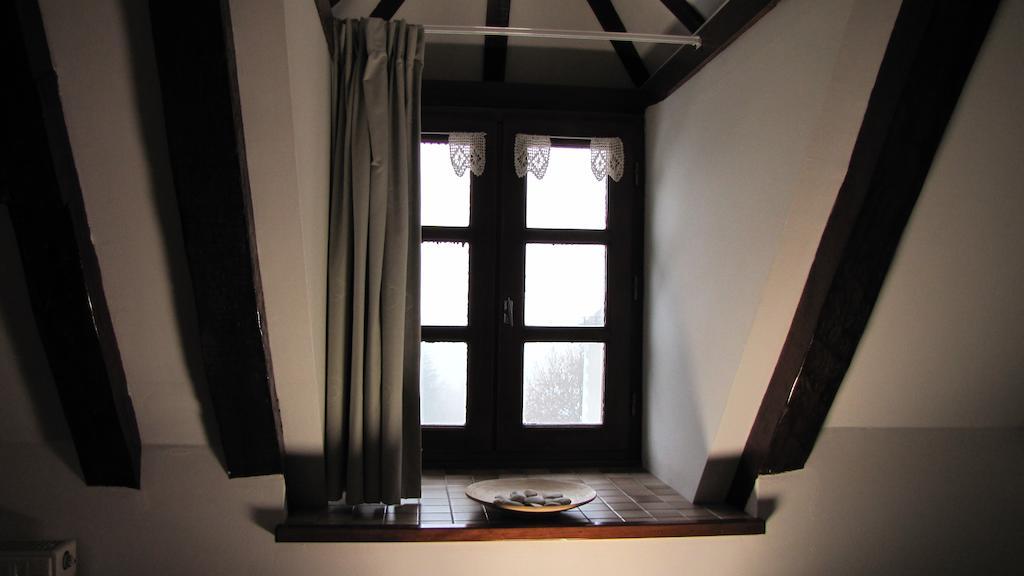 ... Chambre Du0027hôtes Avec Vue Sur La Piscine Aveyron   Clos De Banes ...